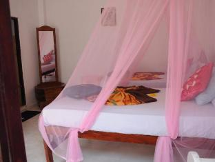 Thenu Rest Guest House Galle - Suite Room