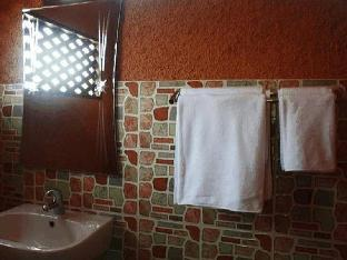 Khetwarin Resort guestroom junior suite