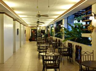 Ecoland Suites Davao City - Interior do Hotel