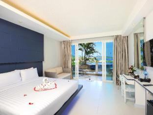 Sea Sun Sand Resort & Spa Phuket - Deluxe Pool Side