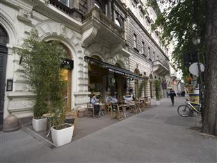 Central Andrassy Avenue Apartment Budapest - Apartment Exterior
