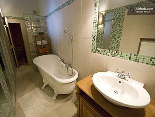 Central Andrassy Avenue Apartment Budapest - Bathroom