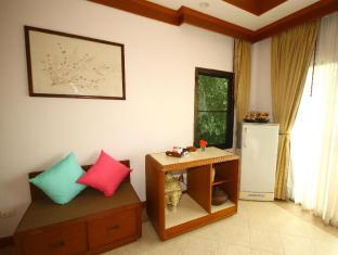 Phuket Nature Home Resort at Naiyang Beach Phuket - Kamar Tidur