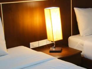 Asialoop Guesthouse Phuket - Economy Twin Beds