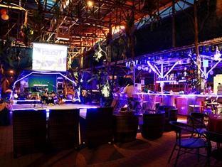 Sinar Serapi Eco Theme Park Resort Kuching - पब/लॉउन्ज