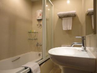 The Green Bells Residence guestroom junior suite