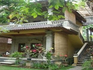 Suastika Bed & Breakfast Bali - Exterior