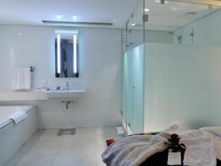 Park Inn by Radisson Foreshore, Cape Town Cape Town - Bathroom