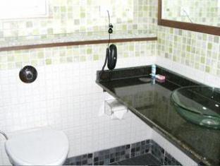 Compact Copper Quilt Bengaluru / Bangalore - Bathroom