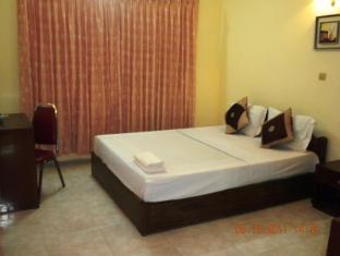 Emerald Morakat Hotel Phnom Penh - Habitación