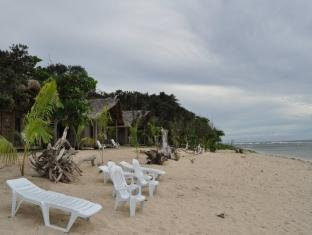 Kingfisher Sand Sea Surf Resort Pagudpud - Spiaggia