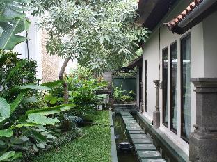 Village Indah Villas