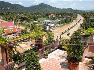 Sok Man Palace Kep - Nice view to the Mountain