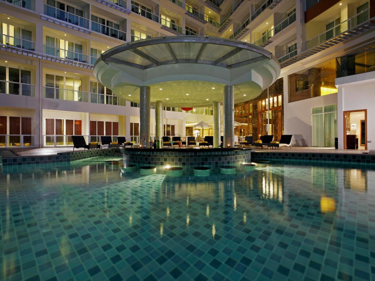 เซนทารา โนวา โฮเต็ล แอนด์ สปา พัทยา (Centara Nova Hotel & Spa Pattaya)