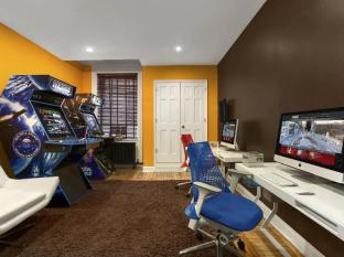 Hotel Belleclaire New York (NY) - Media Lounge and Game Room
