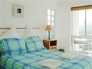 Fish Hoek Luxury Self-Catering Apartments Cape Town - Upper Family Apartment