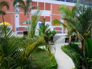 Dome Resort Phuket - Uitzicht