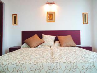 Breeze Apartment Colombo - Studio Apartment Bed Room