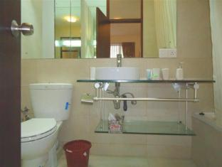Breeze Apartment Colombo - Apartment Bathroom