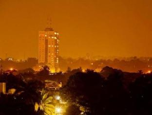 Breeze Apartment Colombo - Night view