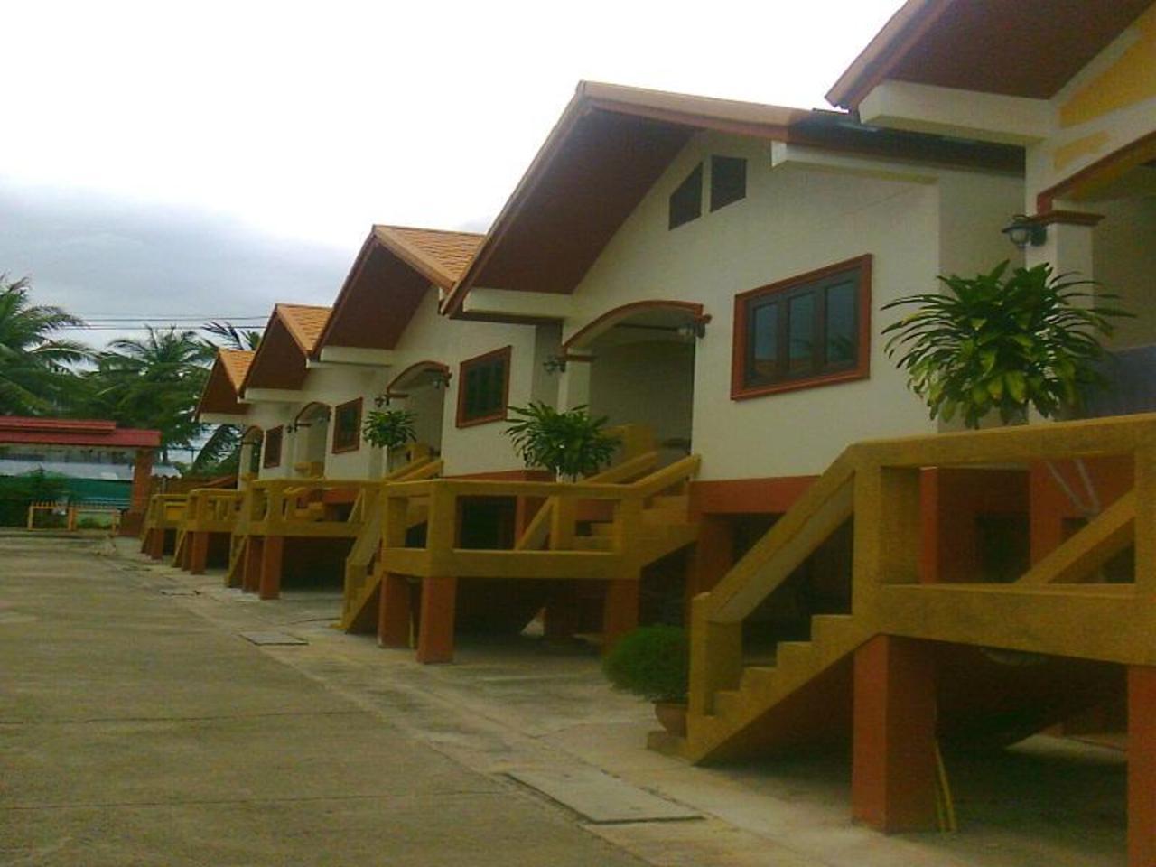 วันเจริญ รีสอร์ต (Wancharoen Resort)