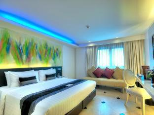 รูปแบบ/รูปภาพ:Skyy Hotel