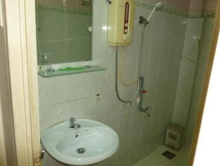 Hotel 97 Ho Chi Minh City - Bathroom