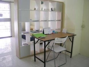Serene Guest House Suratthani - Working area