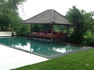 Villa Batu Putih