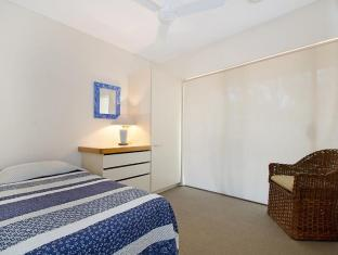 70 Noosa Parade Private Holiday Home Noosa - Guest Room