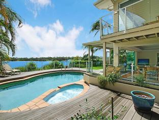 70 Noosa Parade Private Holiday Home