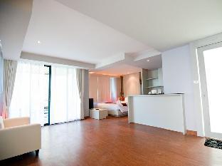 Chalay Monta Resort guestroom junior suite