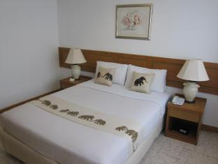 Lido Beach Hotel Pattaya - Standard Double Bed