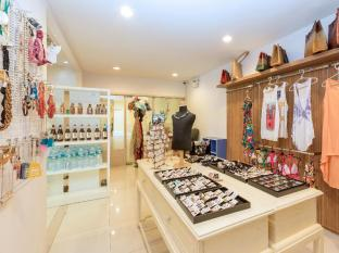 Andaman Embrace Resort & Spa Patong Beach Phuket - Boutiques
