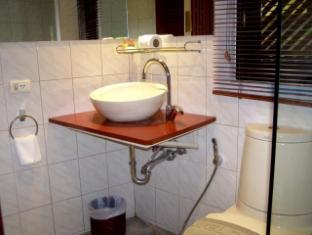 Hilltop Hotel Phuket - Badezimmer