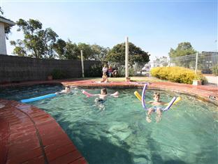 Eldorado Tourist Park Geelong - Swimming Pool