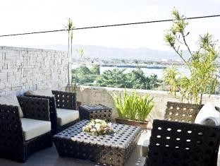 Goldberry Suites & Hotel Cebu - Θέα