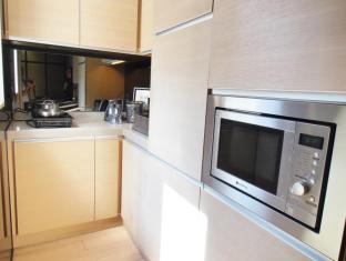 Yin Serviced Apartments Hong Kong - Kitchen