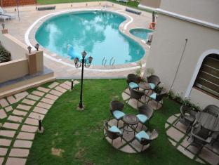 Sukhmantra Resort and Spa North Goa - Swimming Pool