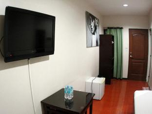 Hotel California Cebu - Guest Room
