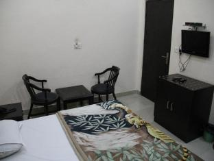 The Hospitality Home- Bed & Breakfast New Delhi and NCR - Deluxe Room