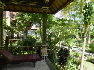 Bali Bhuana Beach Cottages Balis - Balkonas / terasa
