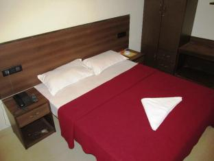 Hotel Sona Royale North Goa - Deluxe Double Bedded Room