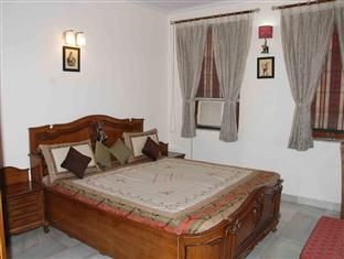Holiday Home Stay New Delhi and NCR - Executive Room