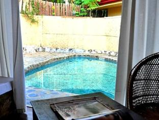 Agila Pool Villas Resort Cebu - Balcony/Terrace