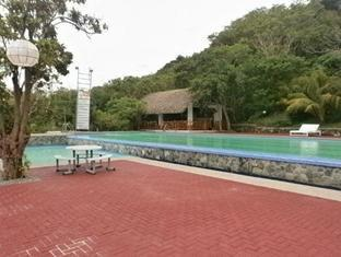 Pangil Beach Resort Currimao - Uszoda