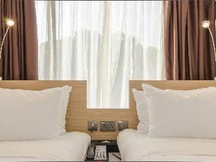 Front view of Travelodge Harbourfront Singapore (SG Clean Certified)