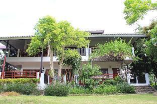 Baan Chanoknunt Resort