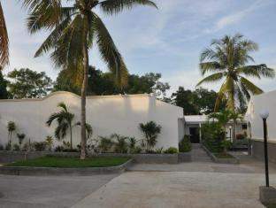 Villa Del Pueblo Inn Bohol - Utsiden av hotellet