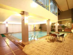 Dohera Hotel Cebu City - Pool